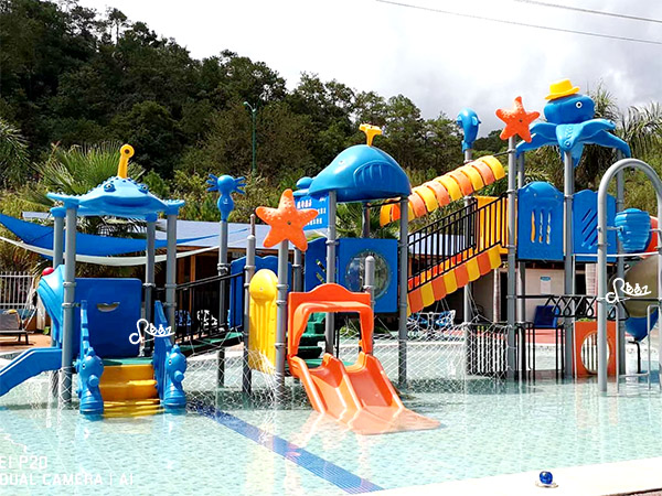Public swimming pool water park play station in Hainan